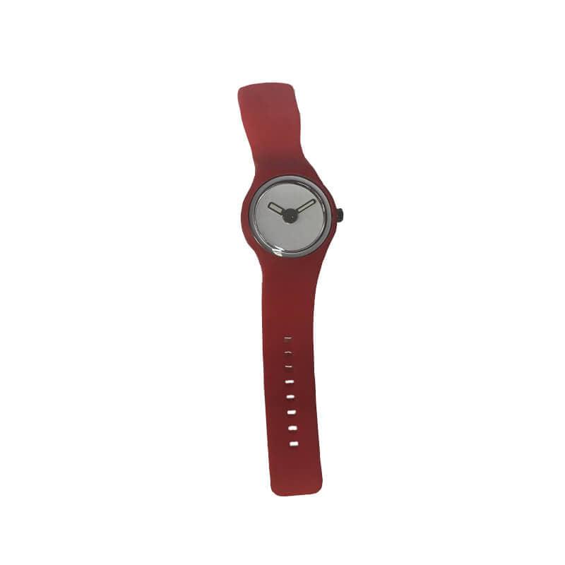 reloj grande rojo